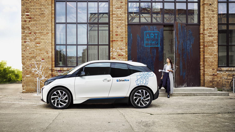 DriveNow - Fahrspaß mit mehr als 3.300 BMW und MINI
