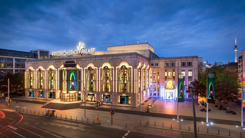 Die neue Show V I V I D im Friedrichstadt-Palast mit Premium Hotel